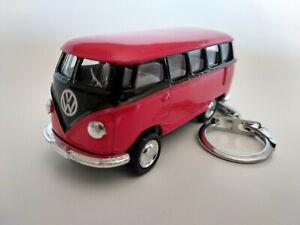 Porte-cle-Volkswagen-bus-combi-rouge-et-noir-neuf-idee-cadeau-sympa