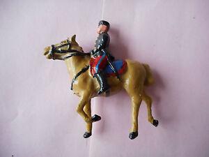 1-cavalier-3-republique-soldat-plomb-ancien-officier-a-cheval-veste-noire