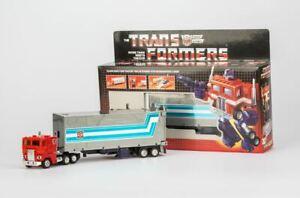 TRANSFORMERS G1 reissue  optimus prime Brand new  action figure MISB