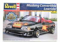 Mustang Convertible Lowrider Revell 85-2345 1/24 Car Model Kit