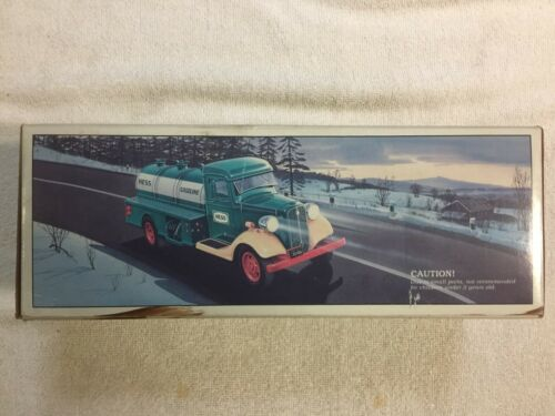 1985 First Hess Truck Bank 1933 Chevy Delivery Truck With The Original Box