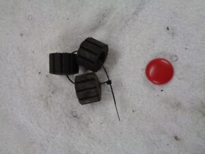 2010-HONDA-XR125-XR-125-4T-MOTORBIKE-PART-RUBBER-MOUNTING-BOBBINS-BUNGS