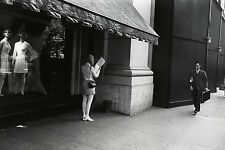 Garry WINOGRAND:  Women Are Beautiful, 1969 / Silver Print / SIGNED / GW45