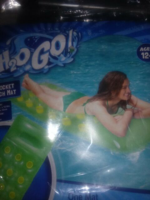 18 Pocket French Inflatable Lounging Swim Mat Bestway