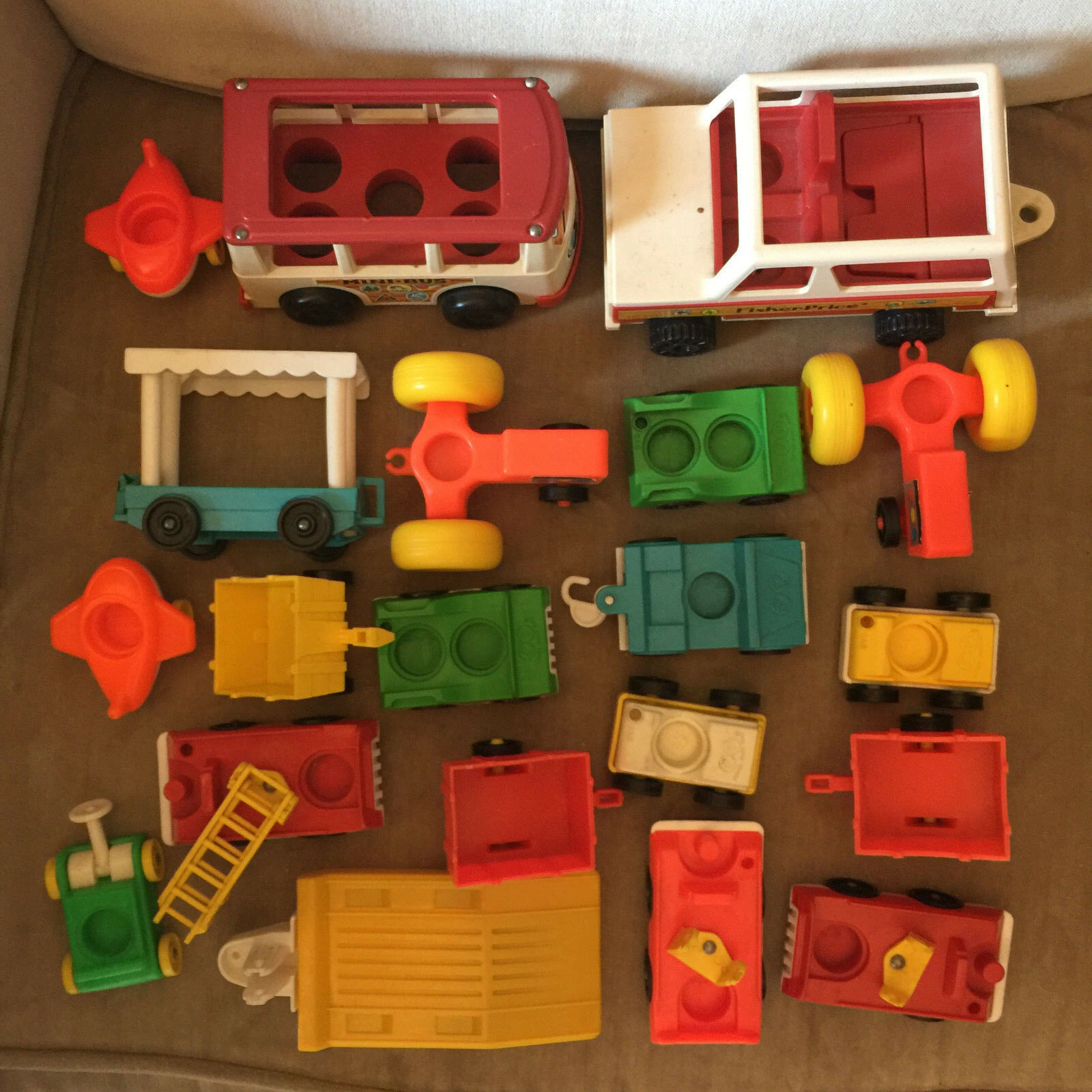 Vintage Fisher Price Little Little Little People Vehicles Lot of 20 71ce7b