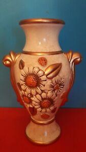 Vaso-ad-anfora-classico-in-ceramica-dipinto-girasoli-a-rilievo-tono-oro
