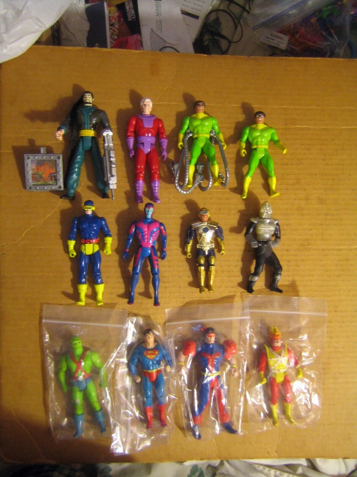 12 RARE RARE RARE HTF COLLECTABLE VINTAGE MARVEL & DC ETC..ACTION FIGURES  SOLD AS IS LOT 6391d4
