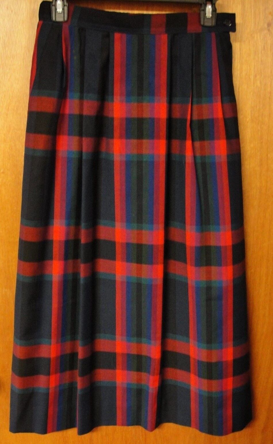 Pendleton USA Vintage Navy & Red & Green Plaid Pleated Wool Skirt, Size 8