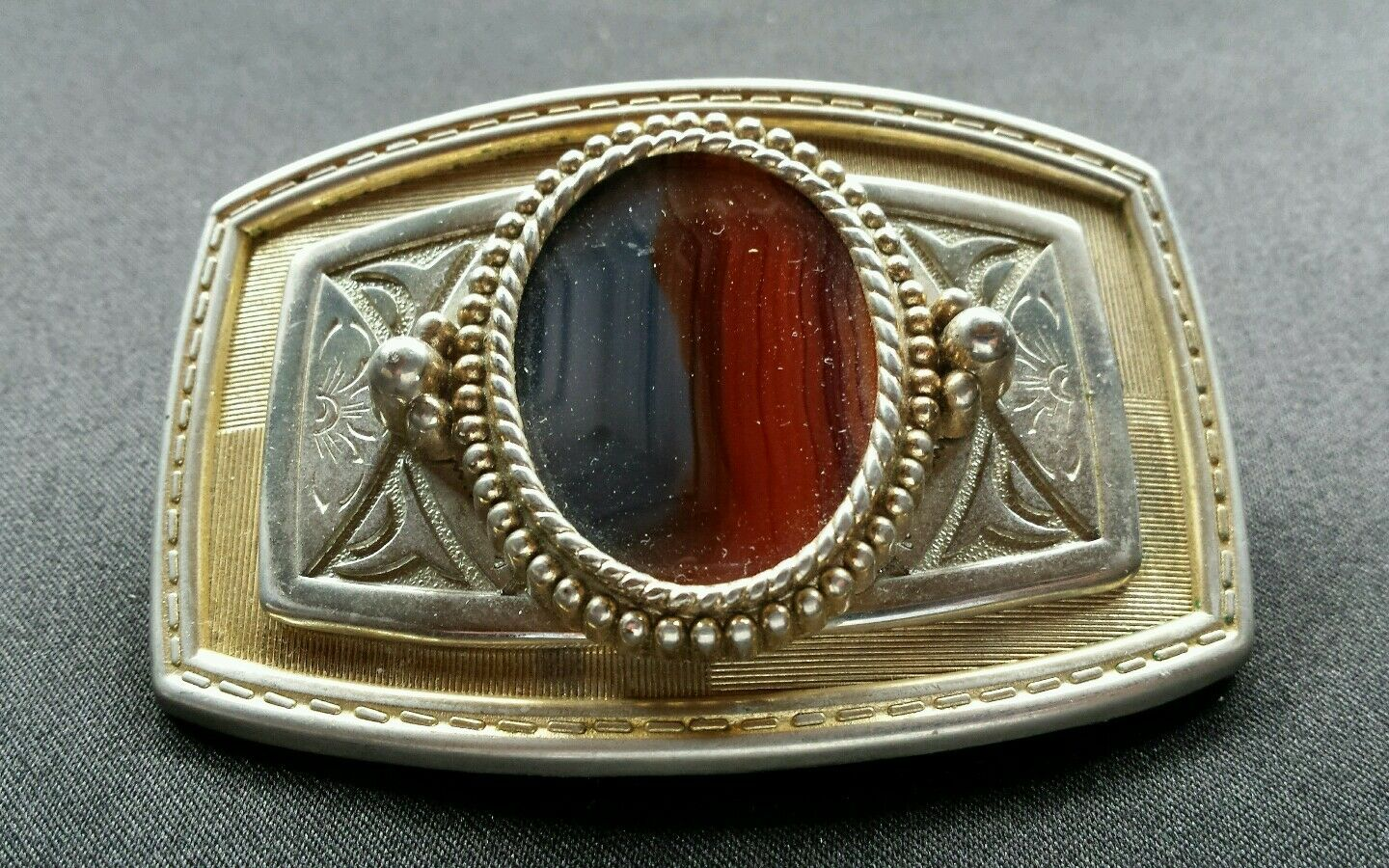 DUAL COLOR GRAY & RED POLISHED STONE WESTERN GOLD & SILVER TONED BELT BUCKLE