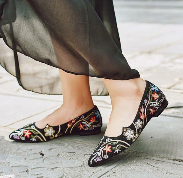Women shoes Pumps Embroidery Flat Pointy Toe Slip On Plus Size Floral Ethnic