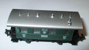 Fleischmann-8052-Personenwagen-2-3-Kl-gruen-2achs
