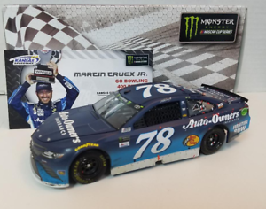 NASCAR 2017 MARTIN TRUEX  KANSAS RACE WIN AUTO OWNERS INSURANCE 1 24 CAR