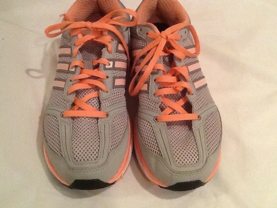 Ladies Adidas Sneaker Athletic shoes Grey Coral Size 8.5M