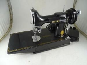 Vtg-Singer-Featherweight-Portable-Sewing-Machine-1955-Black-Traveling-Model-221