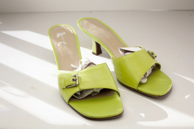 ebc0deae7f1 Naturalizer 9 W Green Dress Sandals Women s