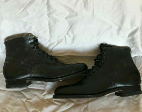 Vintage ~ 1920's Poll-Parrot Ankle Boots ~ Size 4