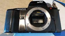 Olympus OM 707 AF reflex SLR 35mm analogica automatica programmata manuale