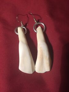 Native American made Coyote claw earrings water totem Mountain Man rendezvous