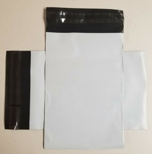 "Thirty Poly Self-Sealing 6/"" x 9/"" Mailer Envelopes Lot of 30 Shipping Supplies"