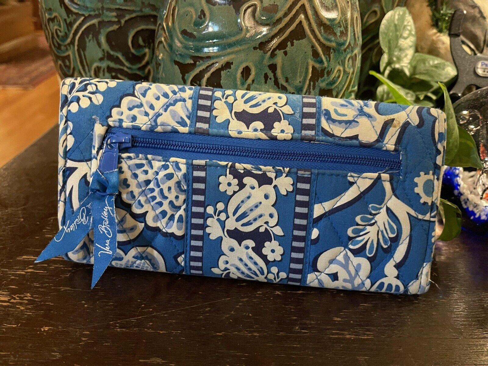 New Vera Beadley Wallet Boho Retro Blue Floral ECU