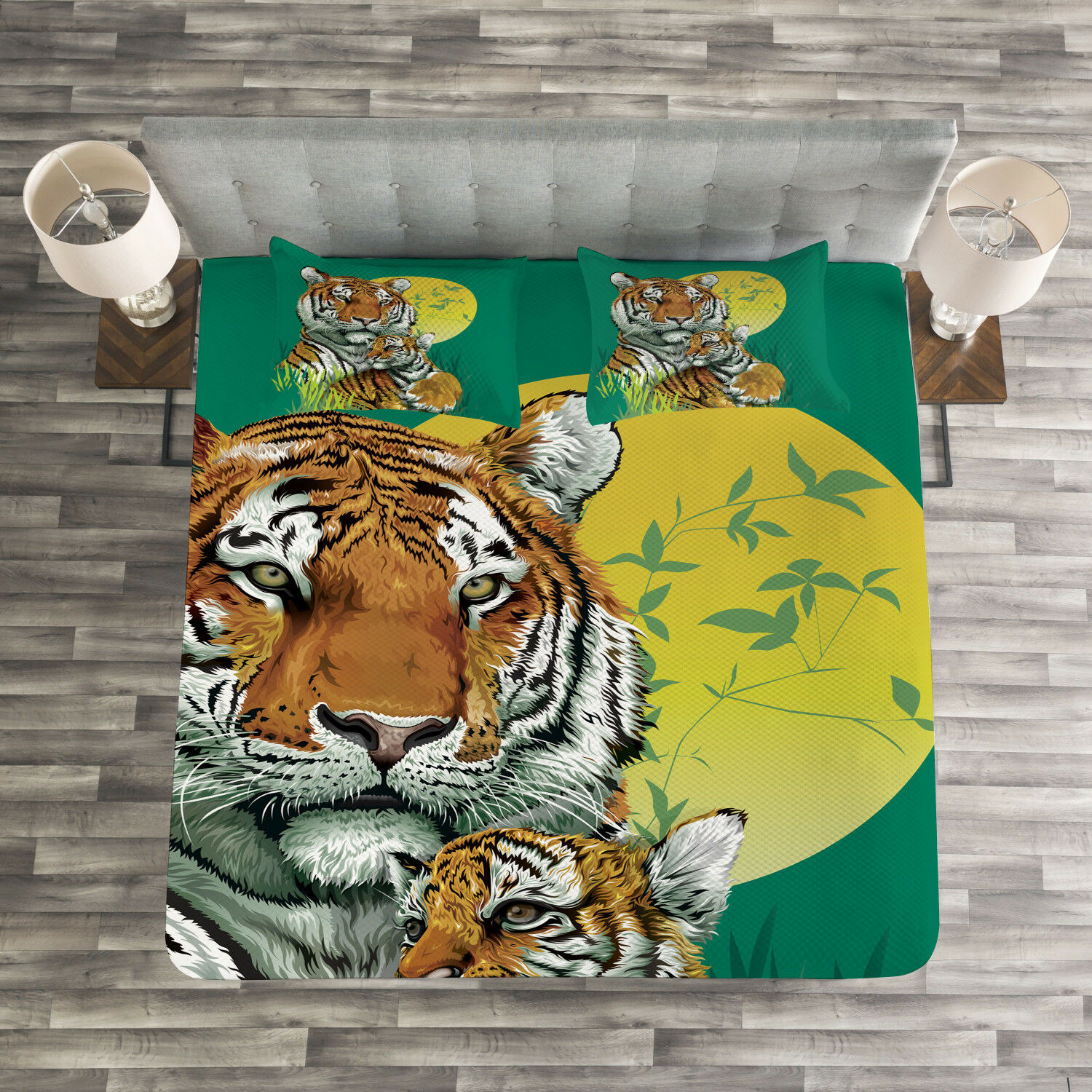 Safari Quilted Bedspread & Pillow Shams Set, Tiger Family in Jungle Print