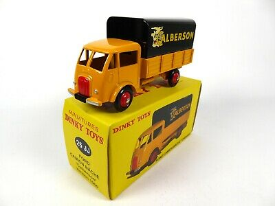 1:43 DINKY TOYS DIECAST MODEL CAR 560 25BV Truck Peugeot D.3.A Post