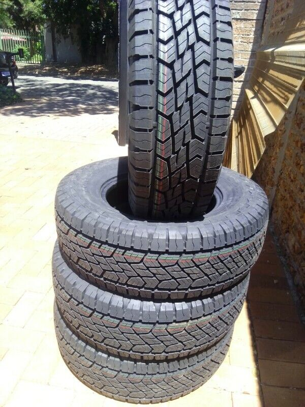 245/70/16 Continental Cross Contact all terrain brand new set for R6450.