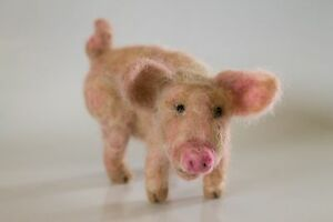 NEEDLE-FELTED-Piglet-Pig-Piggy-On-the-Farm-Animal-Wool-Alpaca-NEW-OOAK