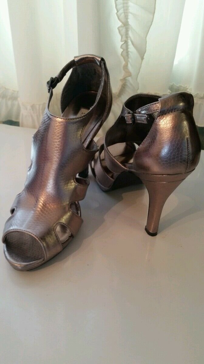 Steve Madden silver strappy open toe strappy silver high heels size 9