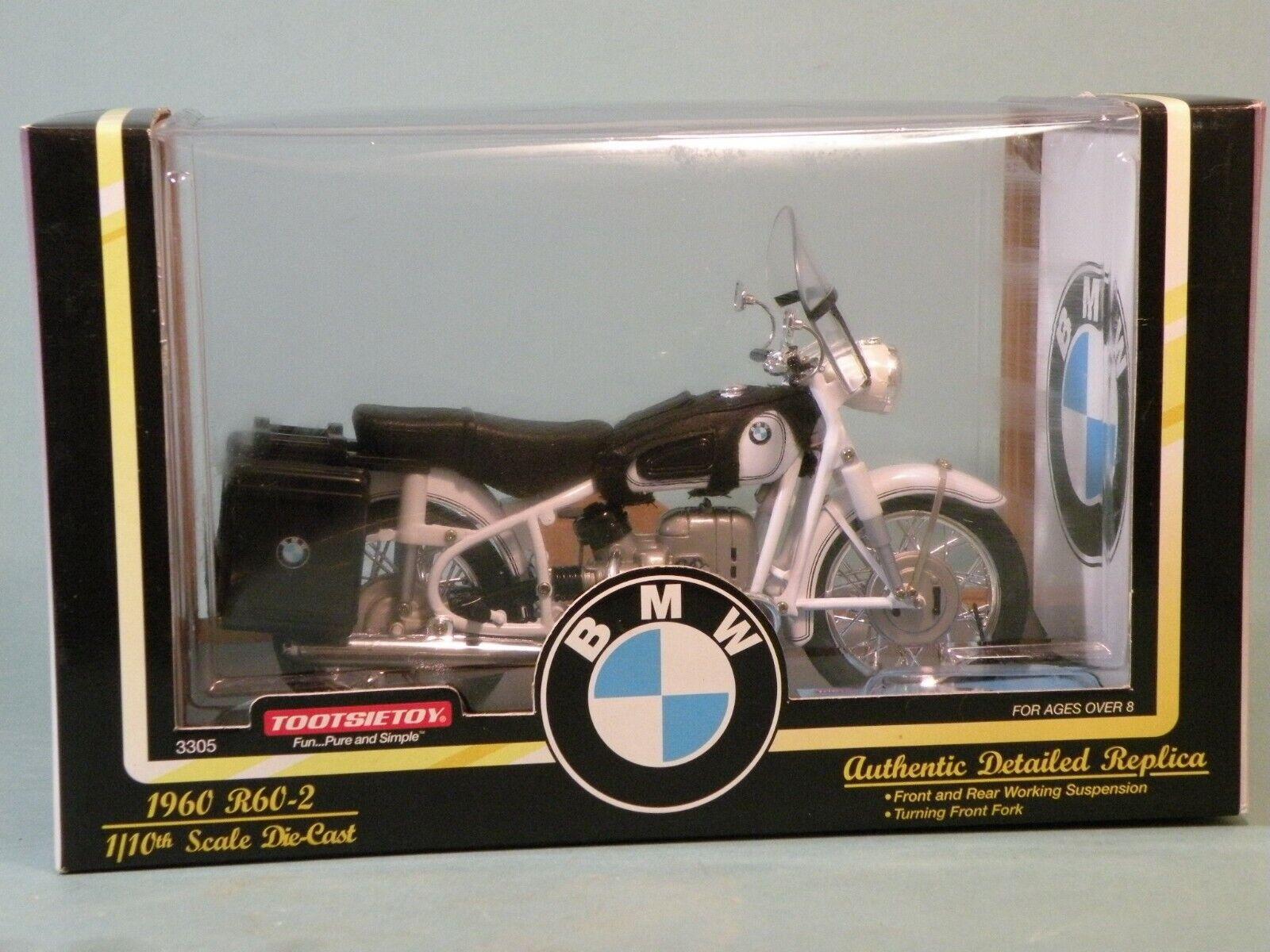 BMW R60 2 1960, 1 10 scale Tootsietoy, Die-Cast In original box. Weiß
