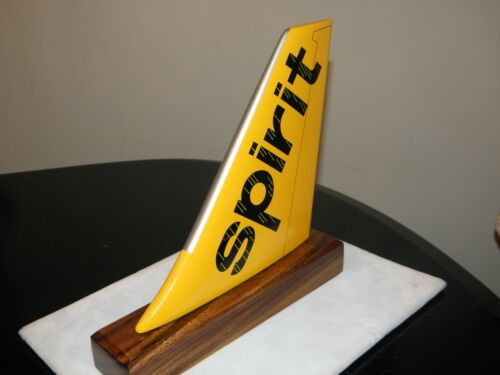 SPIRIT AIRLINE WOOD MODEL AIRPLANE TAIL AIRCRAFT PILOT CHRISTMAS GIFT FOR DESK