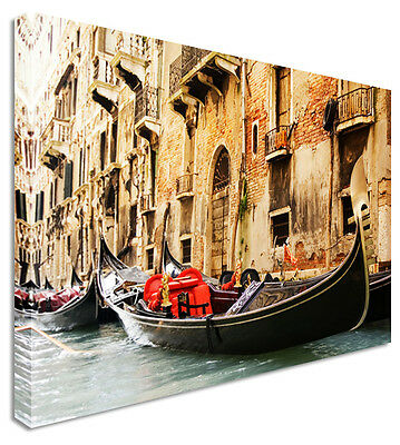 Large City Venice Single Parked Gondola & Canals Canvas Pictures Wall Art Prints