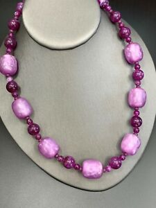 Vintage-Purple-Lucite-Large-Beaded-Iridescent-Strand-Bib-Statement-Necklace