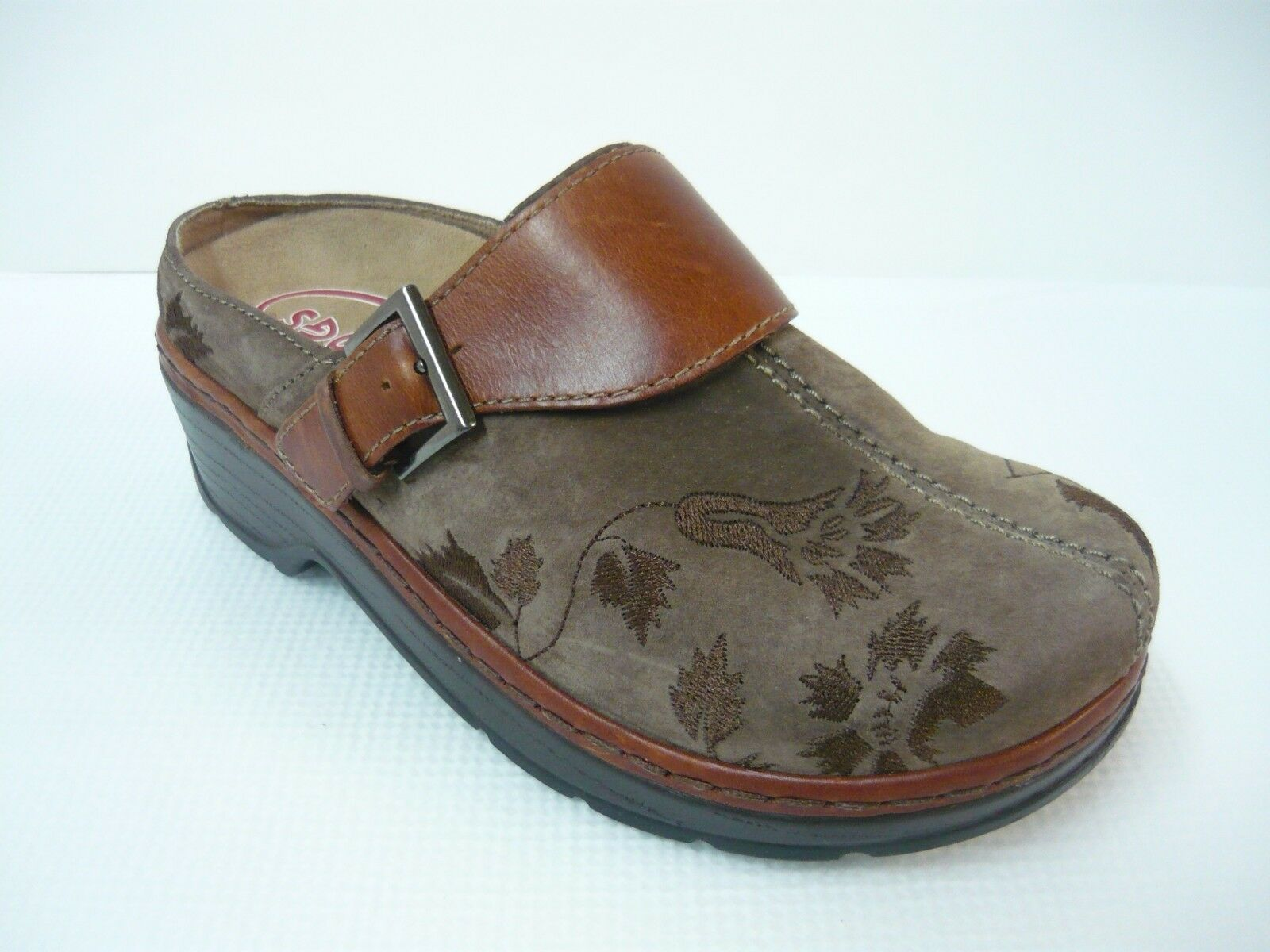 Klogs Brown Paisley Embossed 7W Leather Buckle Accent MULE/CLOGS 7W Embossed 77e15b