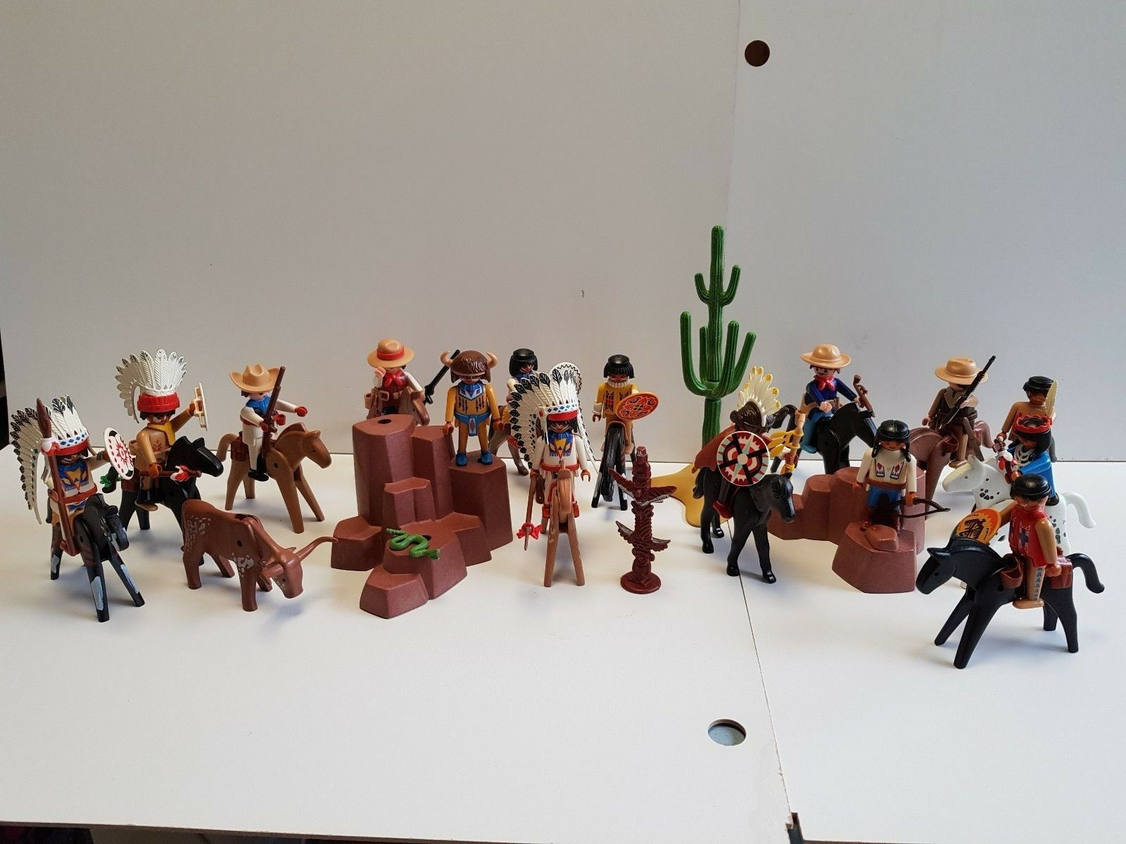 PLAYMOBIL VINTAGE indien cowboy cheval rocher totem cactus accessoires-30