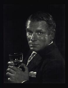Details About 1954 1967 Sir Laurence Olivier Yousuf Karsh Portrait Art Photo Photogravure
