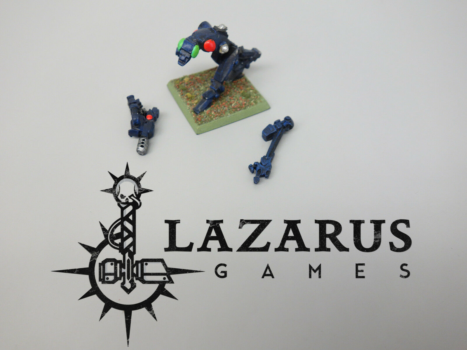 Warhammer 40k Adeptus Mechanicus & Imperial Guard - Crusader Robot (oop metal)