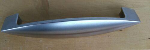 Mehrere Metall Möbelgriffe Lochabstand 128mm für Küche und Esszimmer 7858