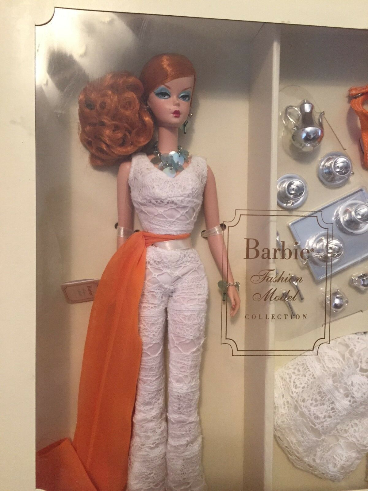 Modelo De Moda Muñeca Barbie Colección Hollywood anfitriona  oro Label