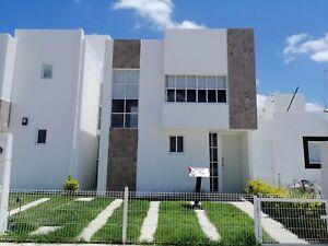 4 Recamaras una en Planta baja a minutos de CC Altária y Galerías, Norte de Aguascalientes