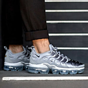 Nike Air Vapor Max Plus Sneakers Wolf