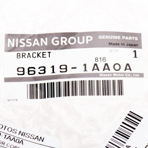 2009-2014 Nissan Murano Front Left Driver Fender Mirror Trim Finisher Bezel OEM