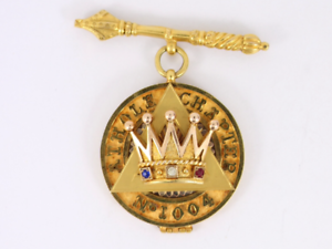 Details about Past Zerubbabel Jewel Masonic 9ct Gold Vintage Athole Chapter  375 Ca70