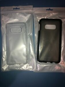 Lot-Of-2pc-Samsung-Galaxy-S10e-Tech21-Clear-Case-And-smoke-Case