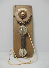 Ancien téléphone mural.  Société industrielle des téléphone.