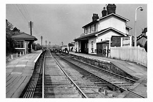 bb0690-Broughton-amp-Bretton-Railway-Station-in-1961-Wales-photograph-6x4
