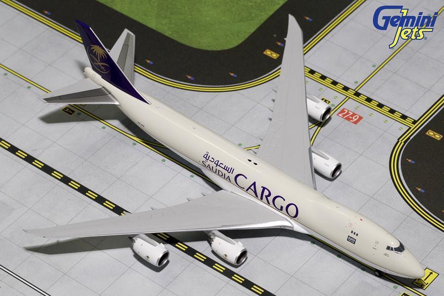 Saudia Cargo Boeing 747-8F HZ-AIH Gemini Jets GJSVA1555 Scale 1 1 1 400 8d42a9
