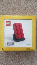 Lego 3 pieces red set 8773 8785//2 red feet and 1 red visor from lage figure