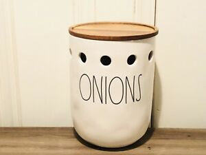 Rae-Dunn-Artisan-Collection-By-Magenta-ONIONS-Ceramic-Cellar-w-Wooden-Lid