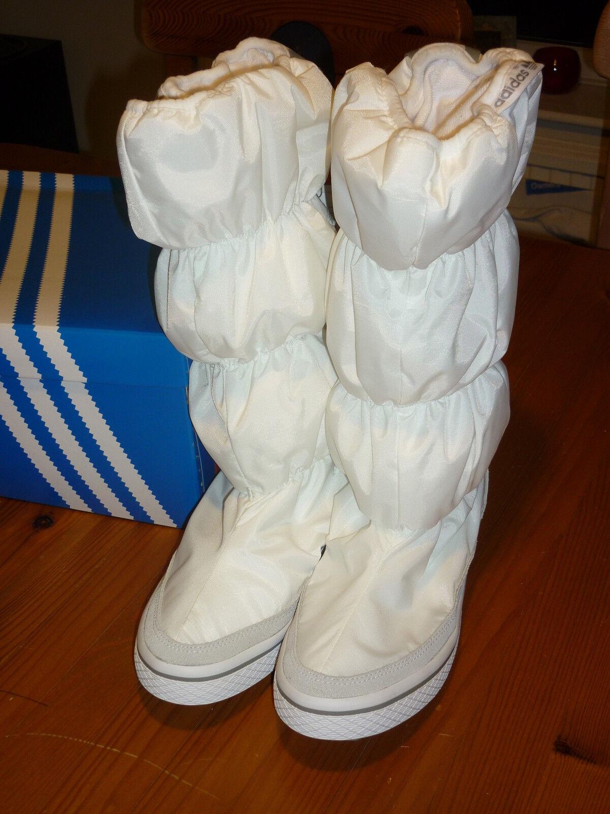 ADIDAS ADIWINTER Stiefel Größe 5 Weiß BRAND NEW IN BOX (Weiß)